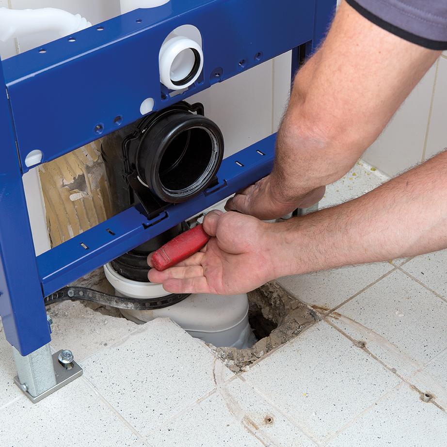 Aanleg leidingen toiletrenovatie